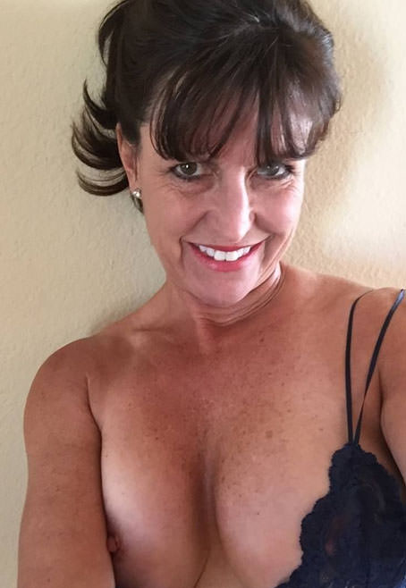 Erotic entertainer review